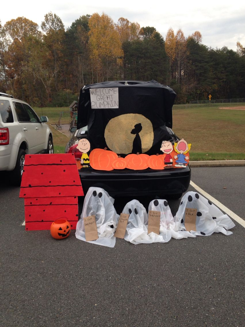 It S The Great Pumpkin Charlie Brown Trunk Or Treat Idea For Your Car Trunk Or Treat Diy Halloween Decorations Charlie Brown Halloween