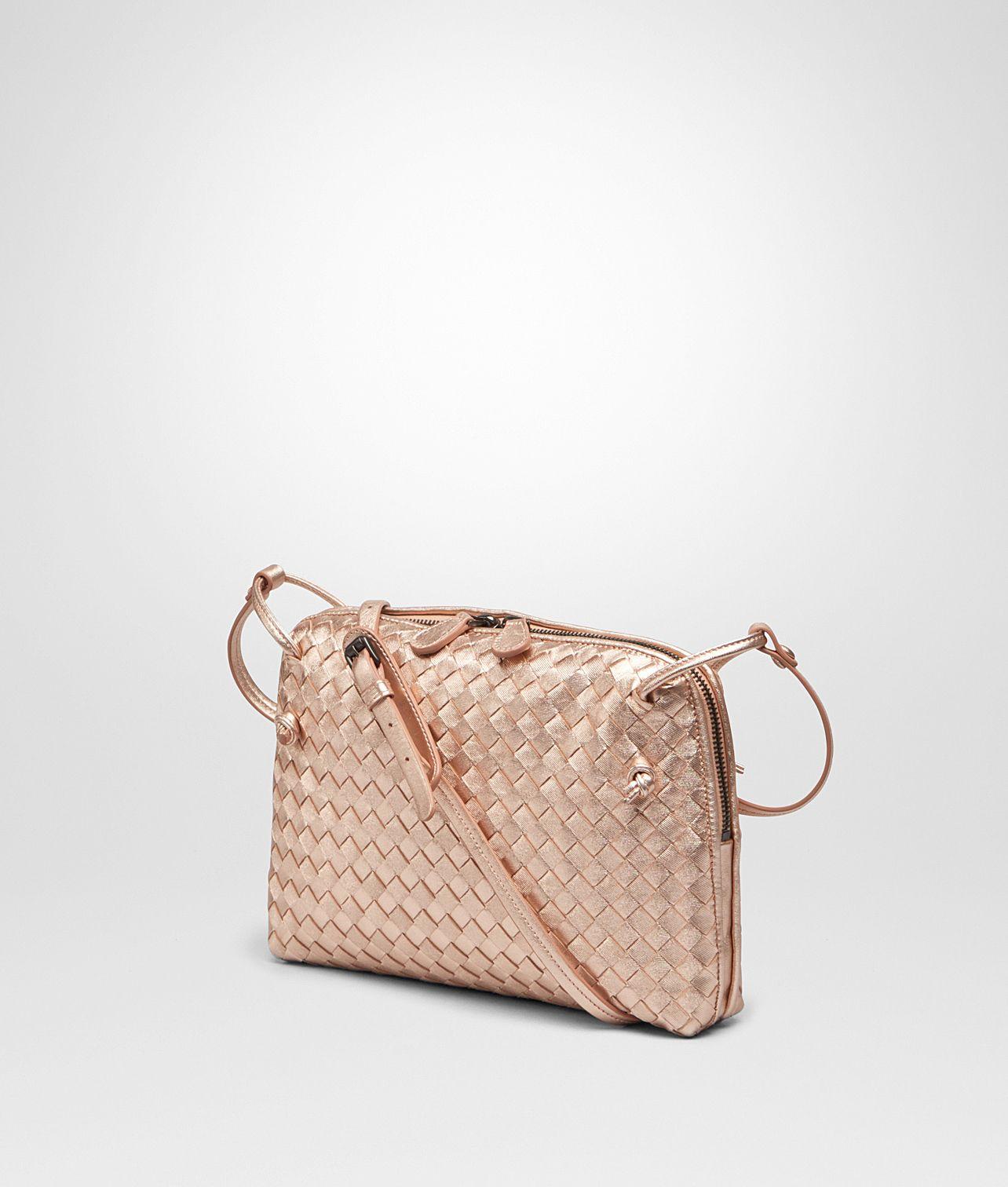 Bottega Veneta® Women s MESSENGER BAG IN ROSE GOLD INTRECCIATO GROS GRAIN. 77ecef85a58cc