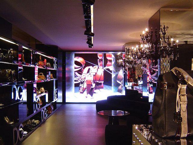 Dolce   Gabbana shop in Quadrilatero della Moda (Via della Spiga 32a10e60306b5