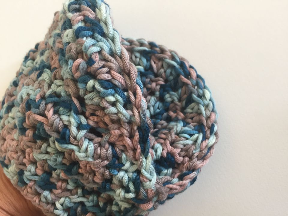 Add A Handmade Touch To Your Kitchen With A Crochet Oven Mitt