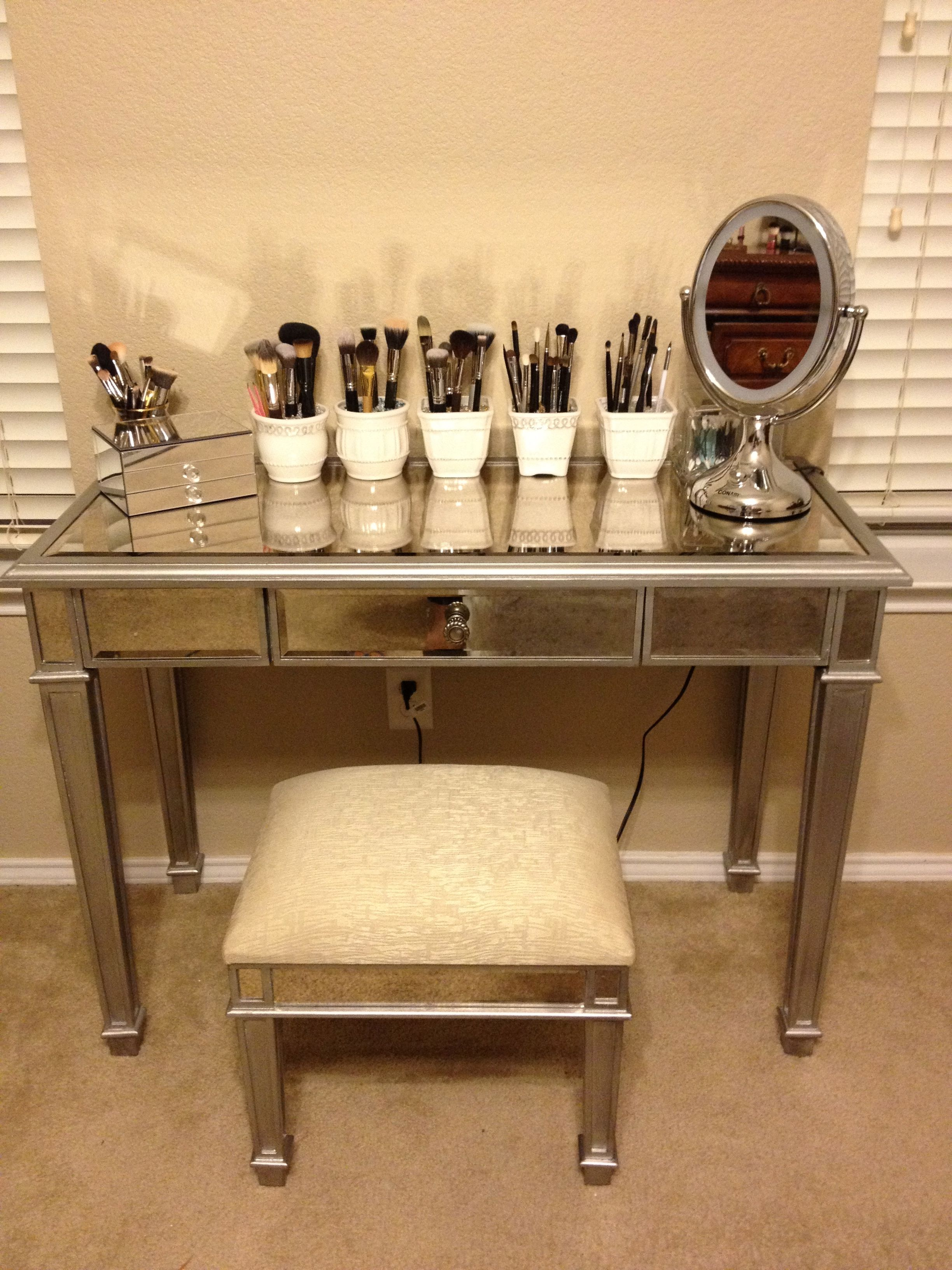 Makeup Vanity = LOVE beauty room Pinterest