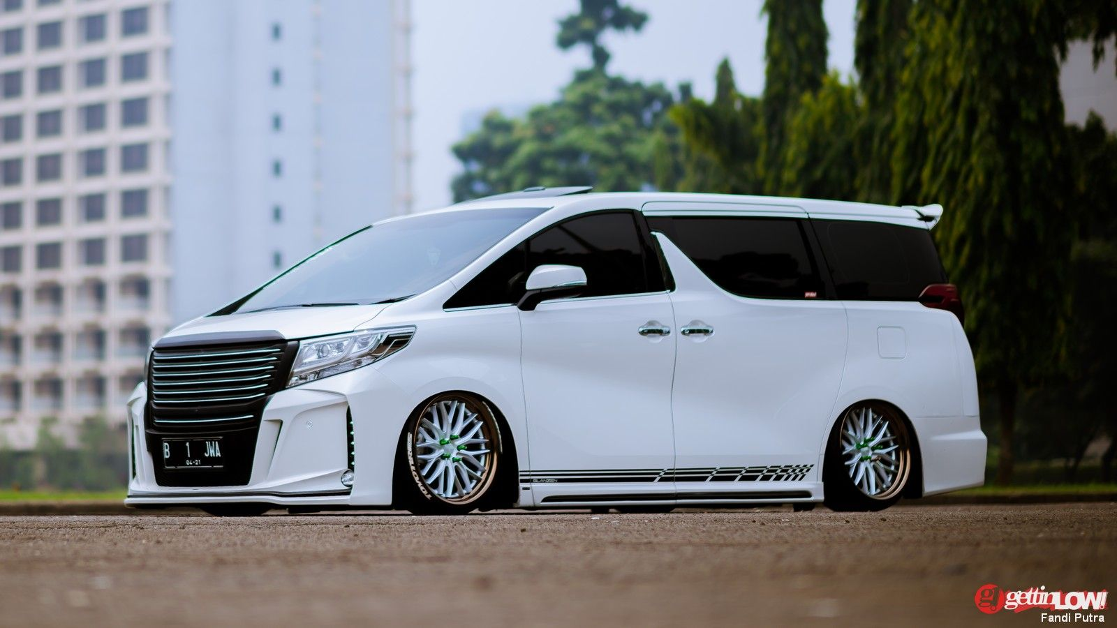 Http www newauto2018 com 2016 11 2017 toyota alphard specs and release html 2017 best cars pinterest toyota alphard toyota and cars