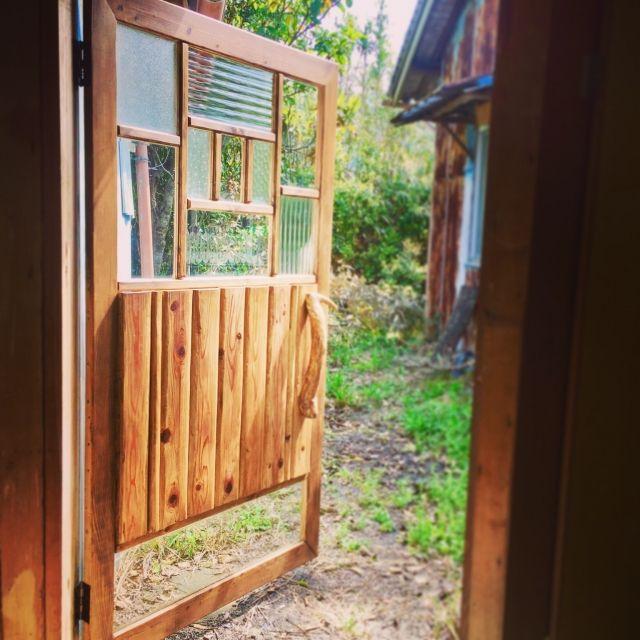 玄関 入り口 流木 中庭 土間 ハンドメイド などのインテリア実例