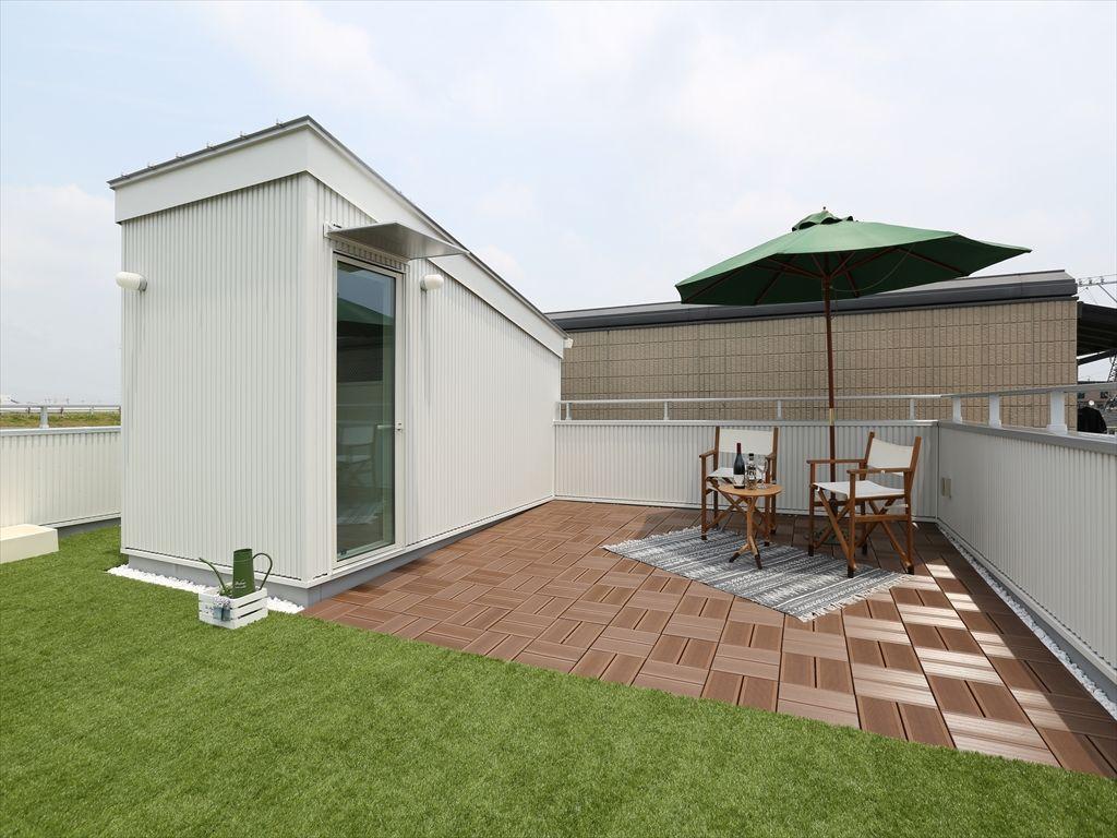 ペットと楽しむ屋上リビングのある家 画像あり 家 屋上庭園 ペット