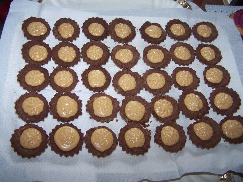 Moje Wypieki | Kruche babeczki kakaowe z kremem kajmakowym