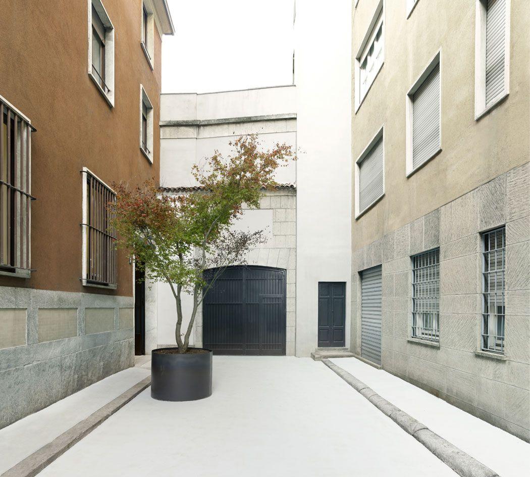 Model home: De Padova opens new sprawling Milan showroom | Showroom ...