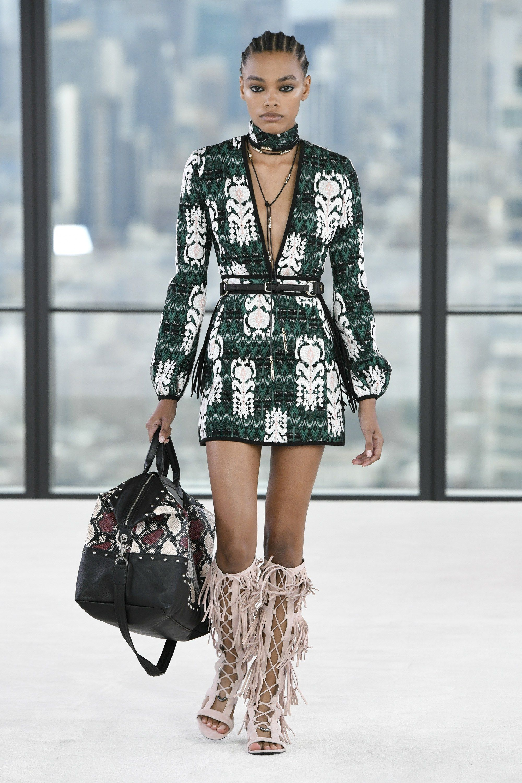 7f062548d0d Longchamp Spring Summer 2019 Ready To Wear-ready Woman Vogue Runway Folk  Coachella Festival Look Trend - Read the Spring Summer 2019 Trends Fashion  Week ...