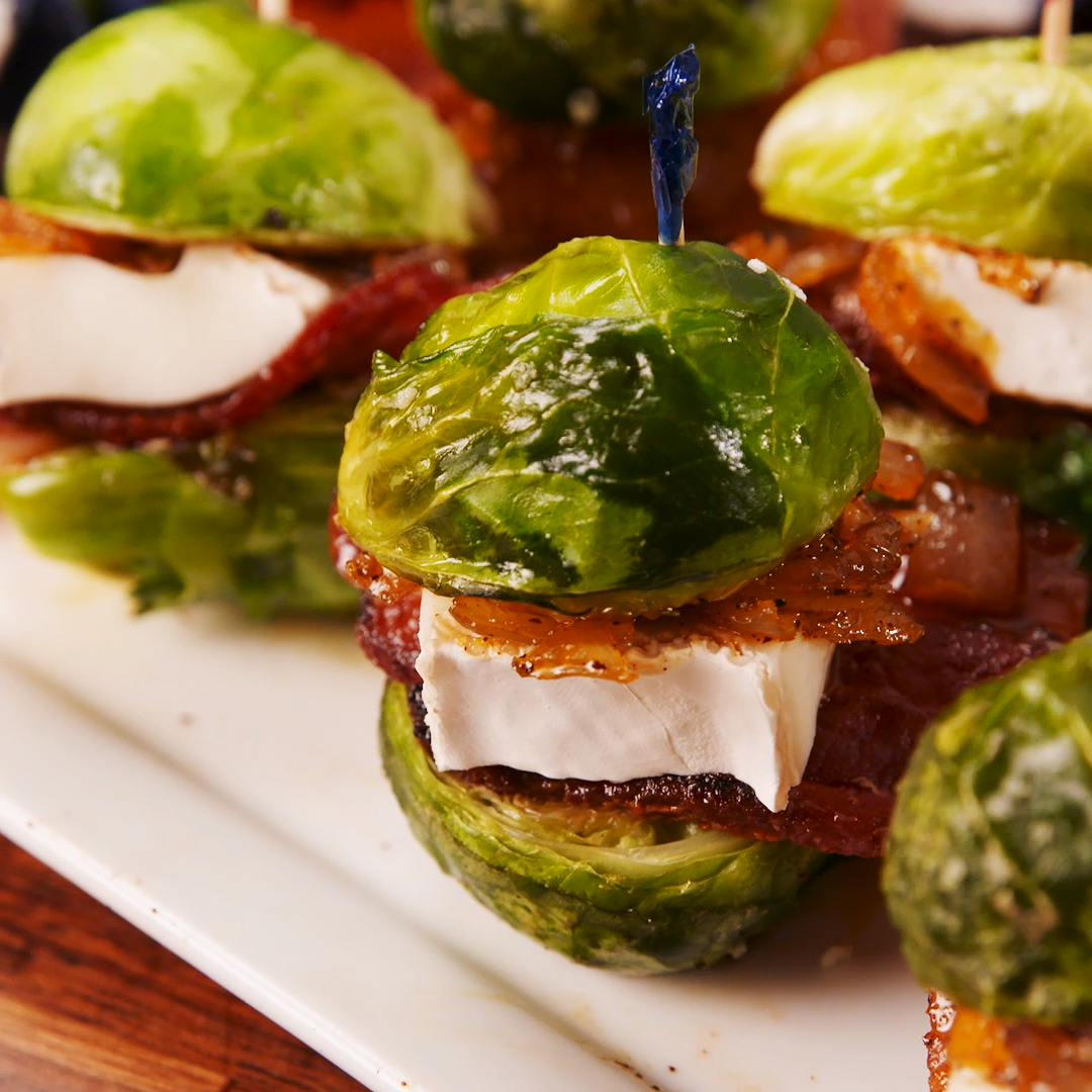 Brussels Sprouts Sliders - Recipes - Appetizers for party #buffalobrusselsprouts Brussels Sprouts Sliders - Recipes - #Brussels #Recipes #Sliders #sprouts #buffalobrusselsprouts