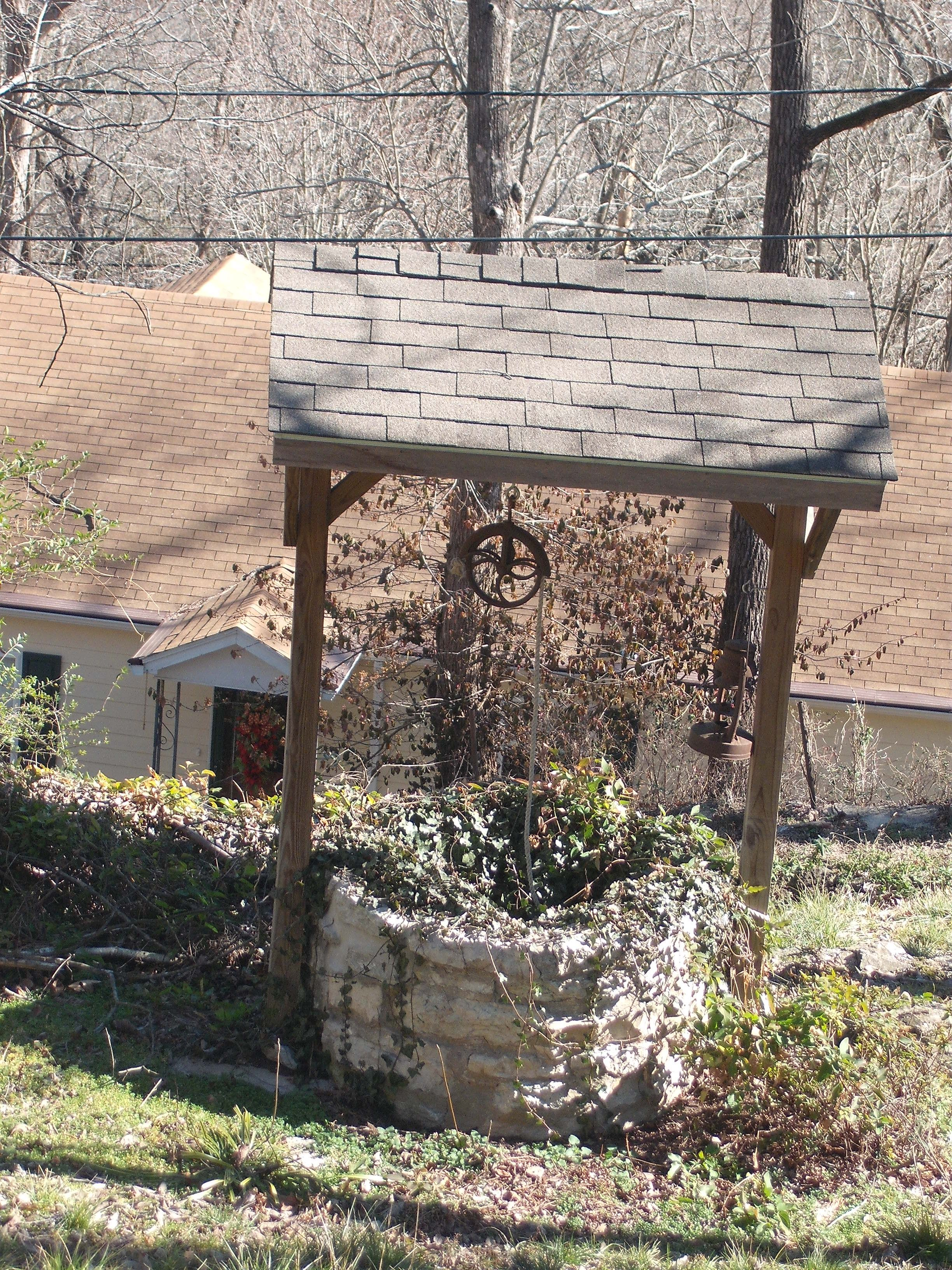 Old Well In Yard Of Victorian Home Eureka Springs Arkansas Water Well Outdoor Garden Old Victorian Homes