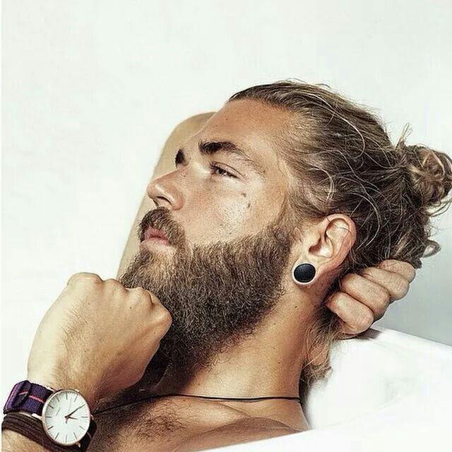 Pin By Marianna Hadzigeorgiou On Oh Man Man Bun Hairstyles Man Bun Growing Your Hair Out