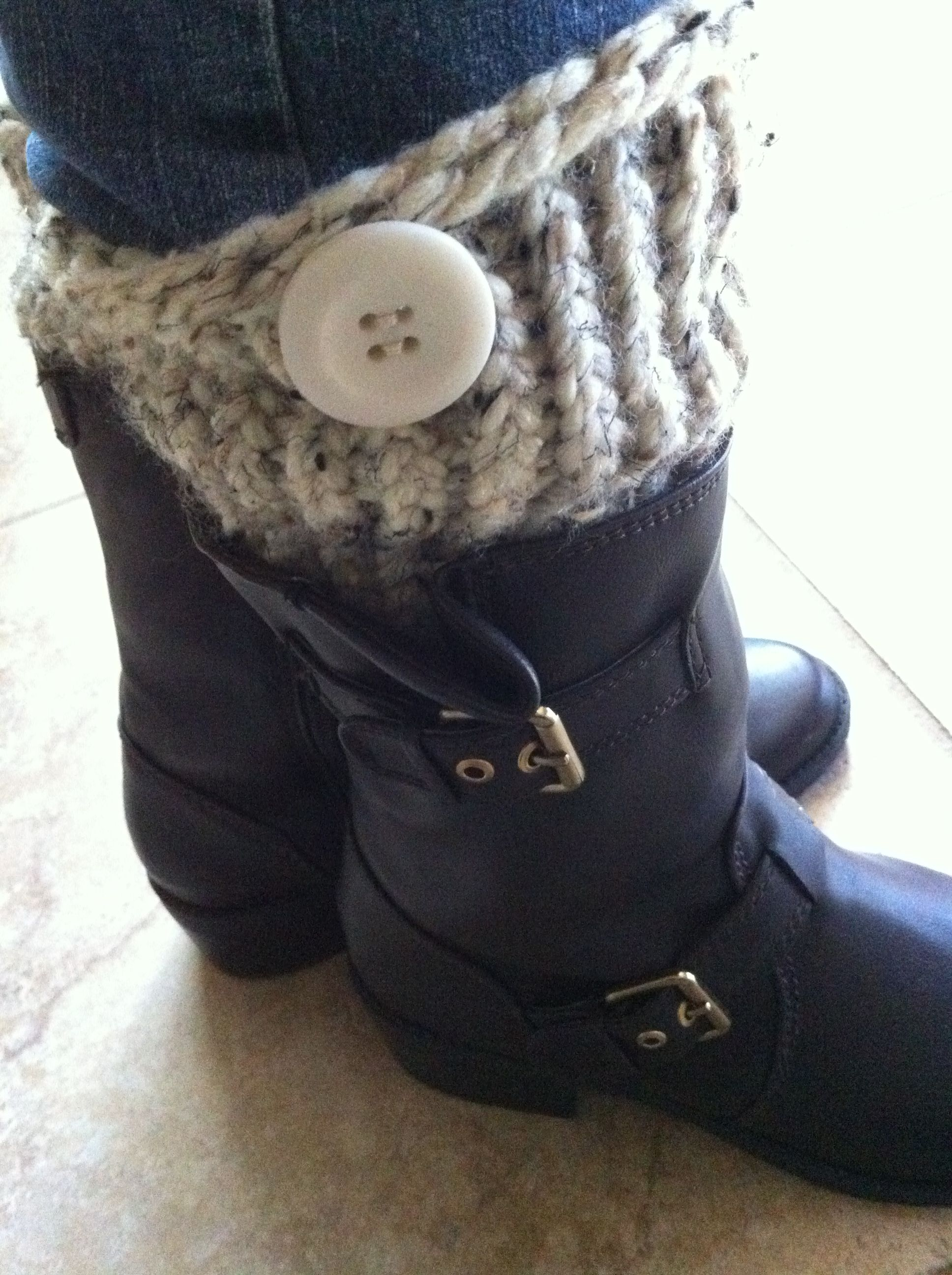 Home-made boot cuffs using blue, round, knifty knitter loom: knit ...