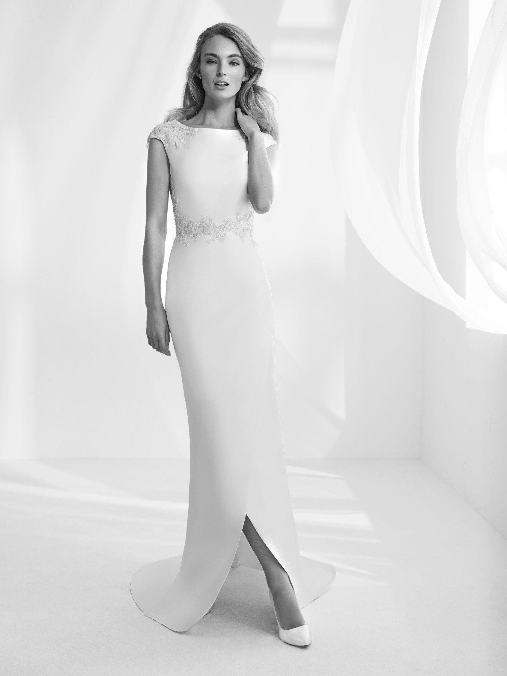 Atelier Pronovias 2018 RAPSODY from €5,800.00 * Wedding dress long ...