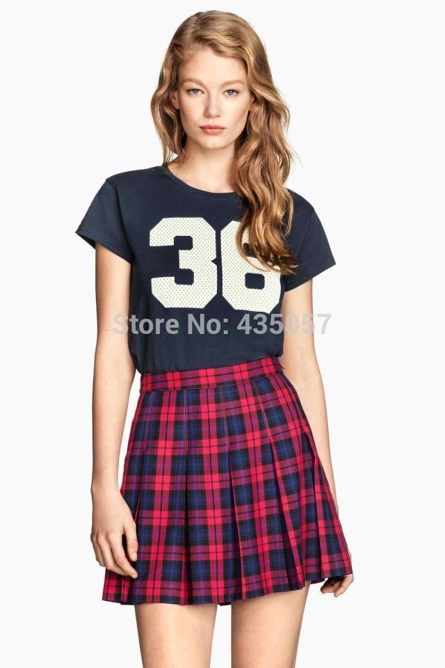 ae4c77a08 La típica falda escocesa siempre queda genial con todo tipo de ...
