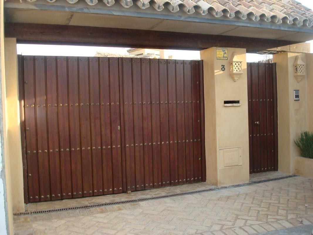 Portones modernos buscar con google portones for Puertas de madera para garage
