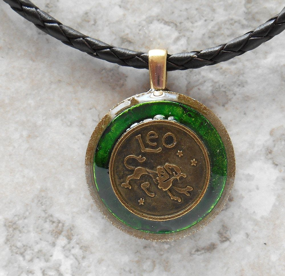 Leo Necklace Green