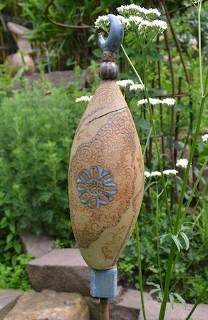 Bildergebnis f r stelen aus ton totems keramik t pfern for Gartenskulpturen aus ton