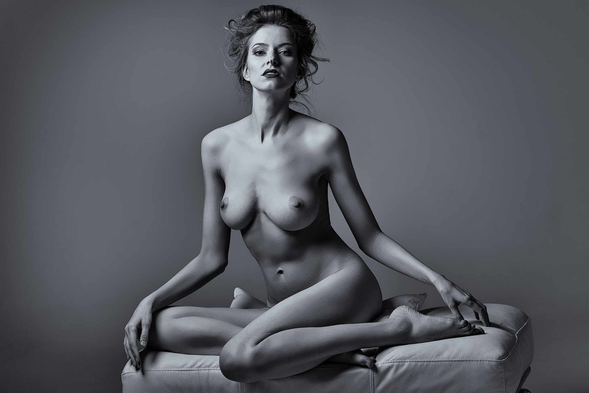 Irina shayk poses completely nude for vogue czechoslovakia