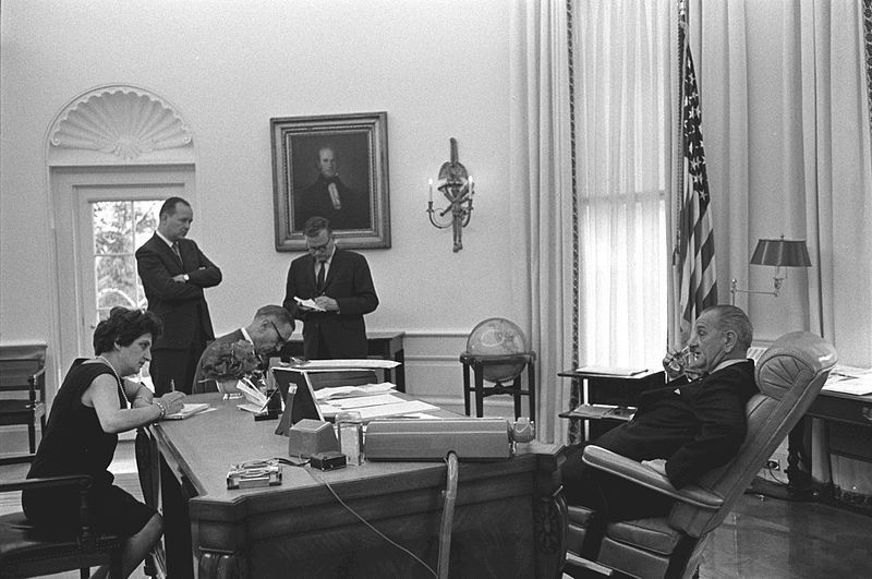 lbj oval office. From Roosevelt To Resolute, The Secrets Of All 6 Oval Office Desks | Atlas Obscura Lbj