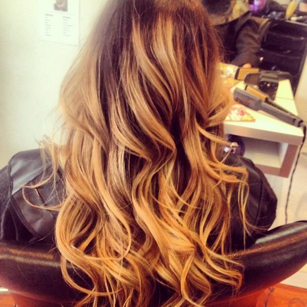 Muito estilo e cor nos cabelos!