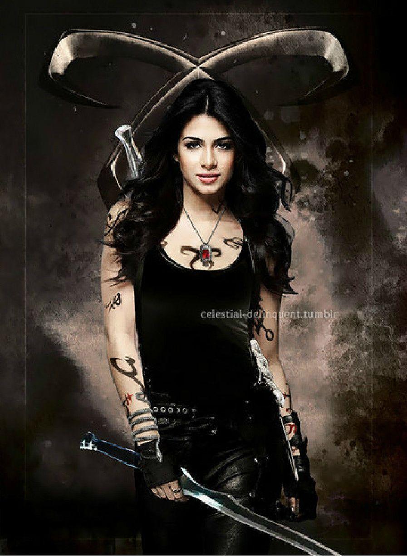 Shadowhunters The Mortal Instruments Actress Emeraude