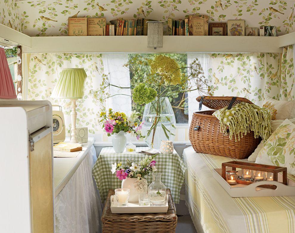 caravan makeover the cool caravans retro wohnwagen pinterest caravane camping car et. Black Bedroom Furniture Sets. Home Design Ideas