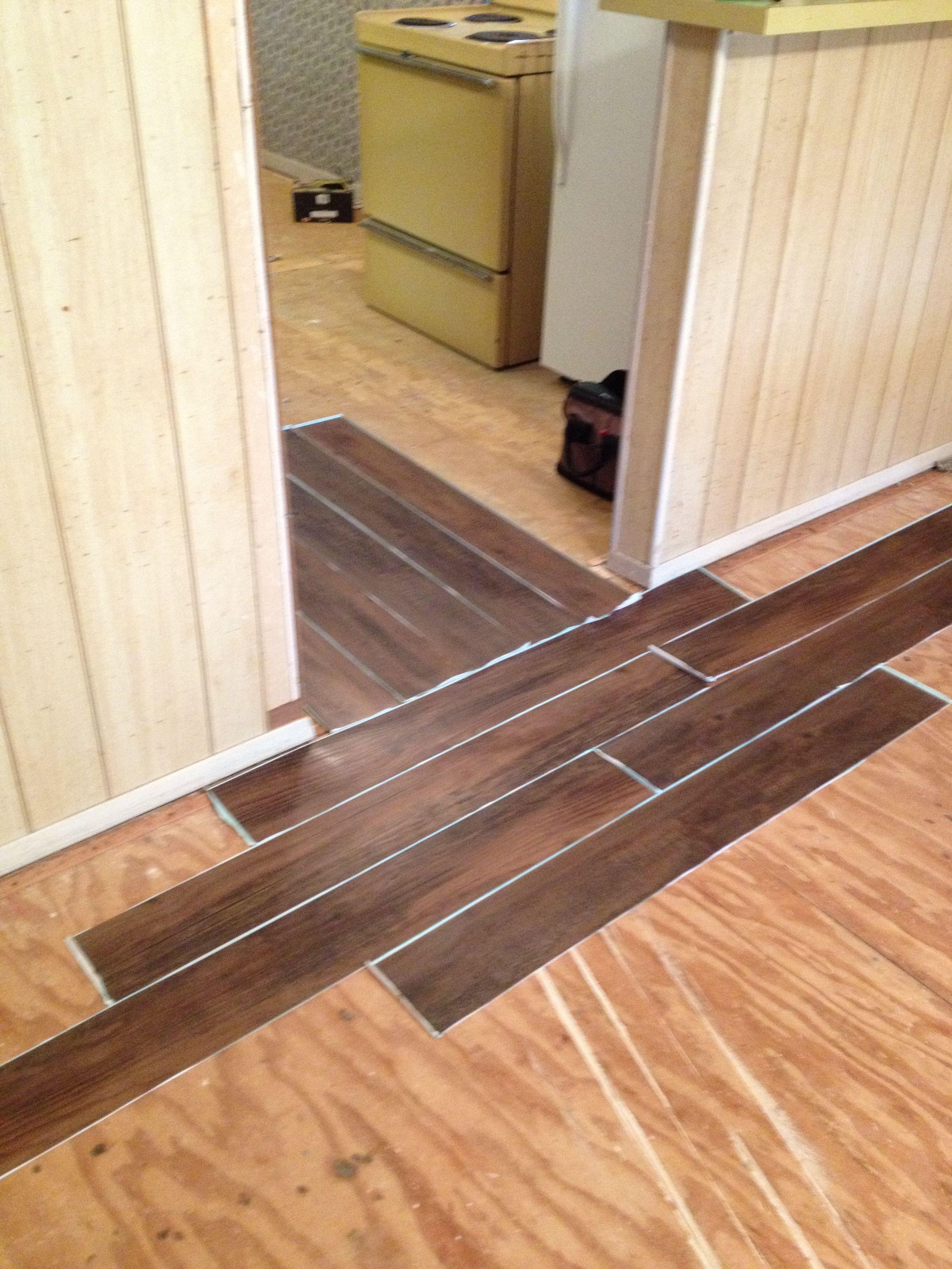 Laminate Flooring Direction Change Azl Spot In 2020 Installing Hardwood Floors Flooring Transition Flooring