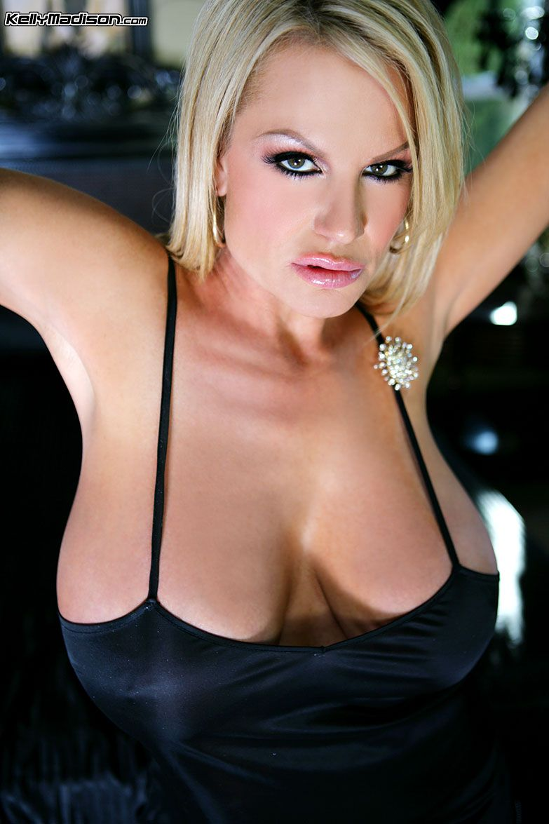 Kelly Madison Live Large Cleavage Larger