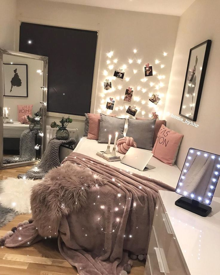 Makeup Room Ideas In 2020 Pink Bedroom Decor Aesthetic Bedroom