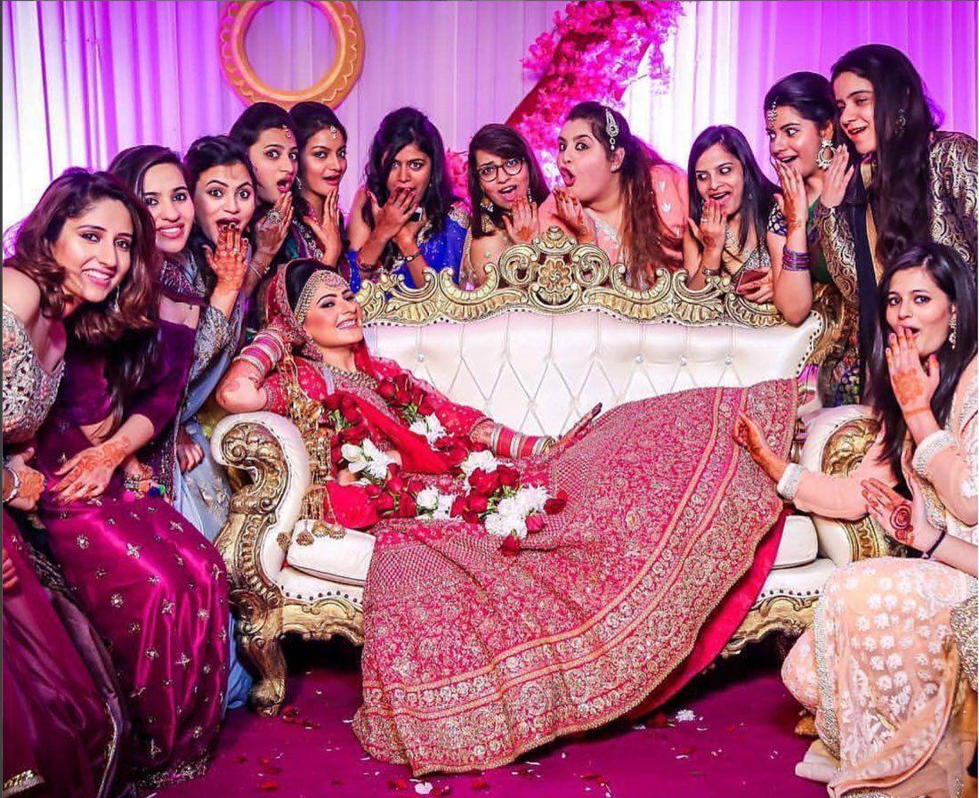 Yaari Dosti Shaadi Wedding pictures you MUST take with