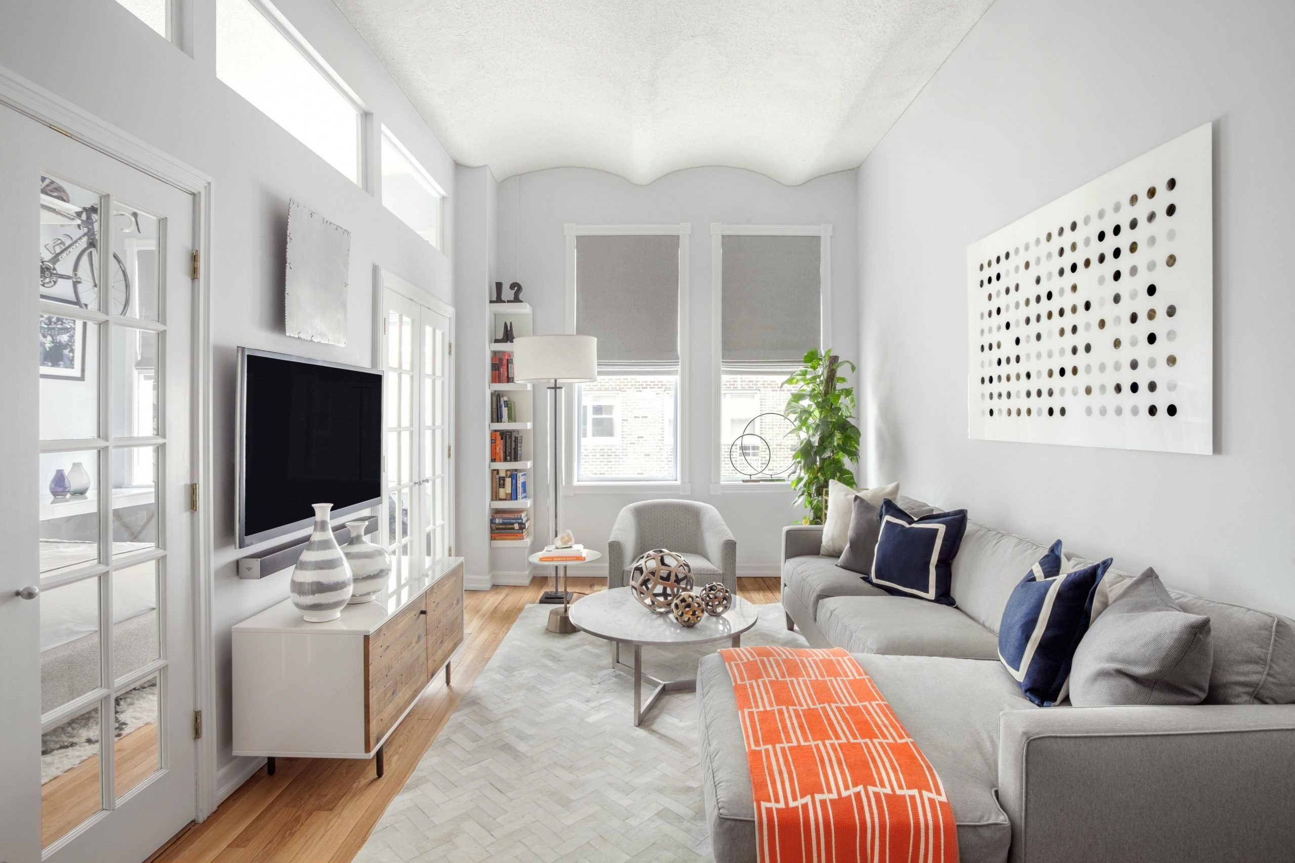 New Apartment Living Room Themes In 2020 Narrow Living Room Small Living Room Design Small Apartment Living Room