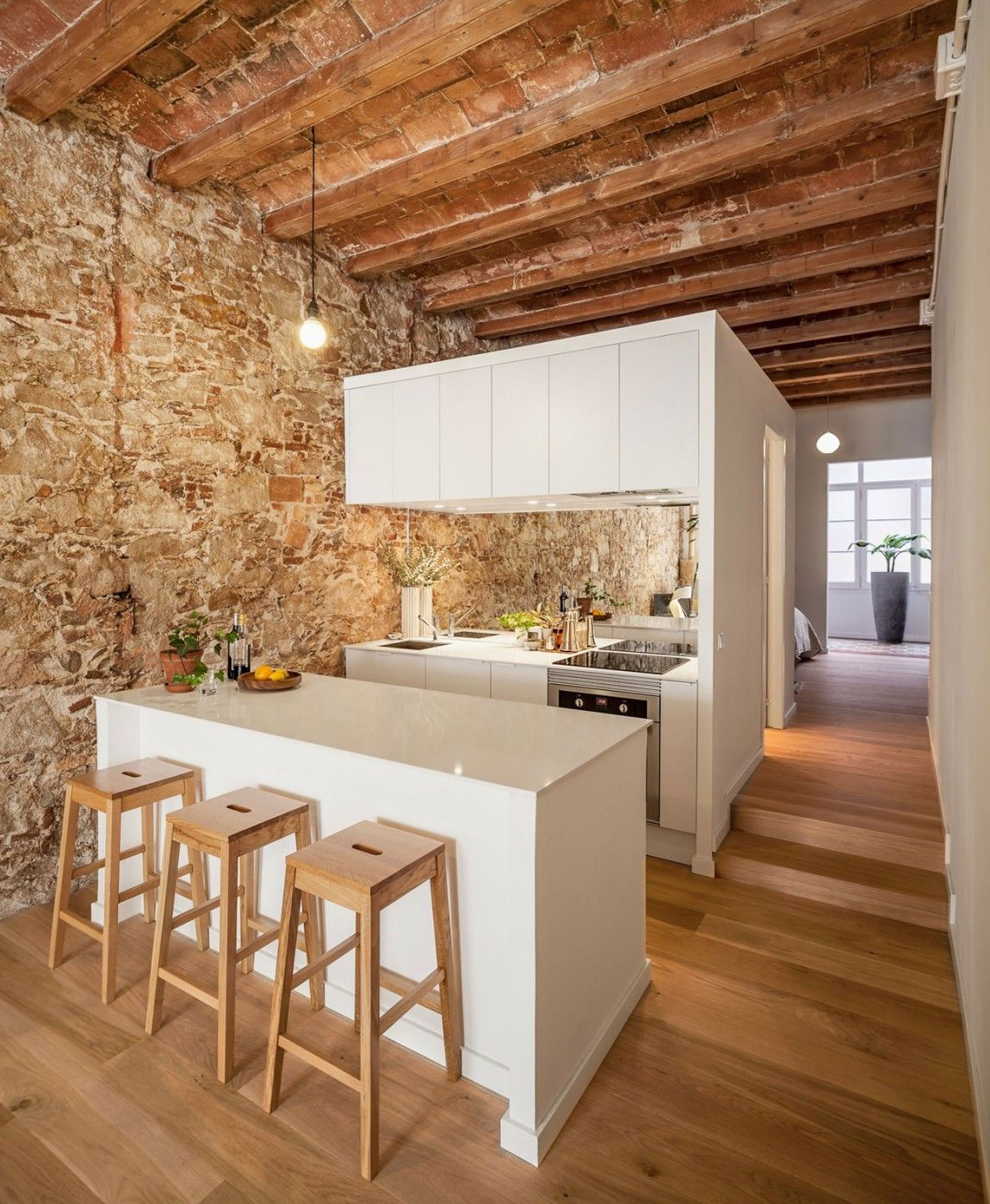 Küchendesign vor haus renovation apartment in les corts by sergi pons  antiquated