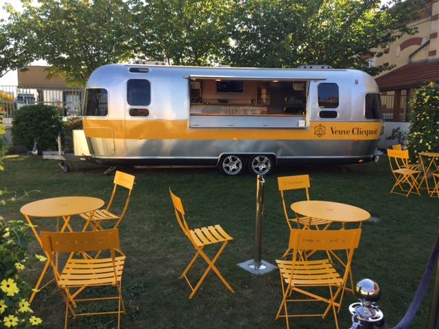 veuve clicquot tour fermob commercial furniture pinterest caravane et commercial. Black Bedroom Furniture Sets. Home Design Ideas