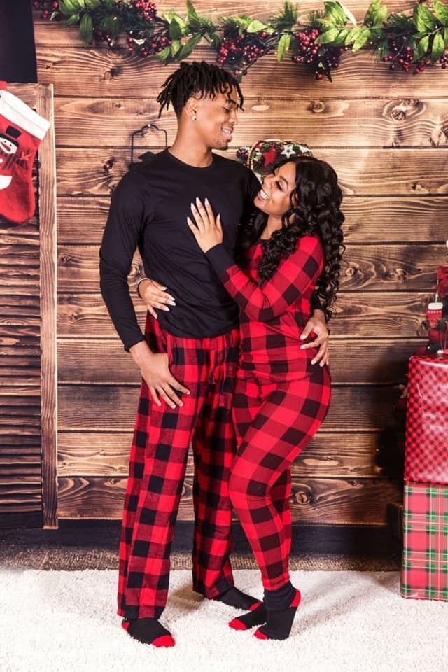 pin ' kjvougee ️ Christmas photos outfits, Cute couple