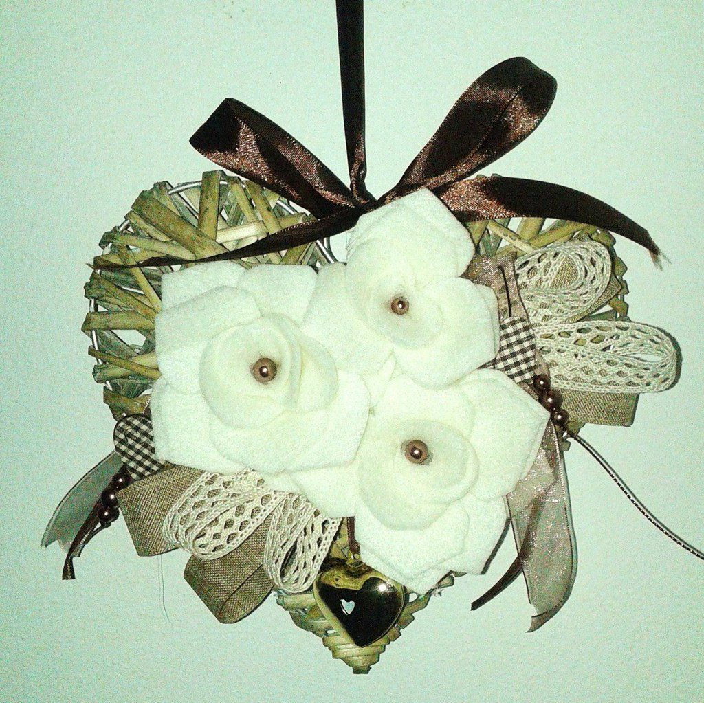 Photo of Outside door wreath with wicker heart