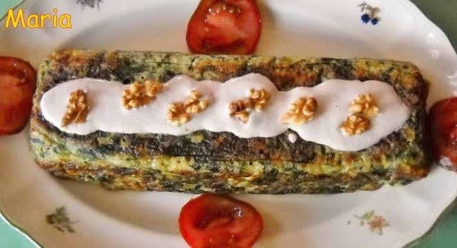 Pastel de espinacas con salsa de nueces