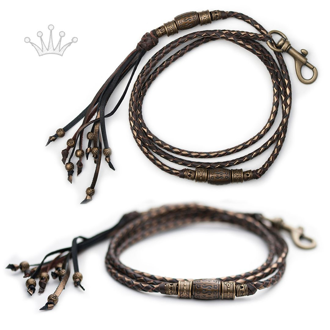 Kangaroo leather show lead in chocolate & bronze. This lead is sold, but I can make something similar. Visit my webshop for more information! #showlead #showleads #showleash #dogshow #emoticon #emoticonleads #emoticonshowleads #kangarooleather #showdog #customlead #customshowlead #dogshows #utställningskoppel #kangarooleatherlead #dogshowlead