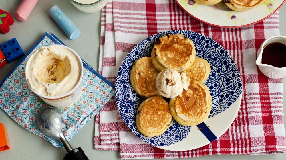 Flauschige Schokoladenkuchen Rezept Fur Flauschige Schokoladenkuchen Bbc Food Chocolate Chip Pancakes Recipe Chocolate Chip Pancakes Ice Cream Recipes
