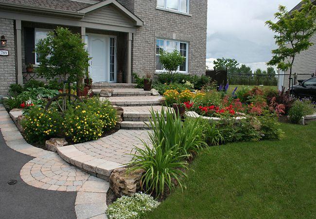 Fa ades ext rieur maison am nagement paysager devant maison amenagement jardin et - Amenagement paysager devant maison ...