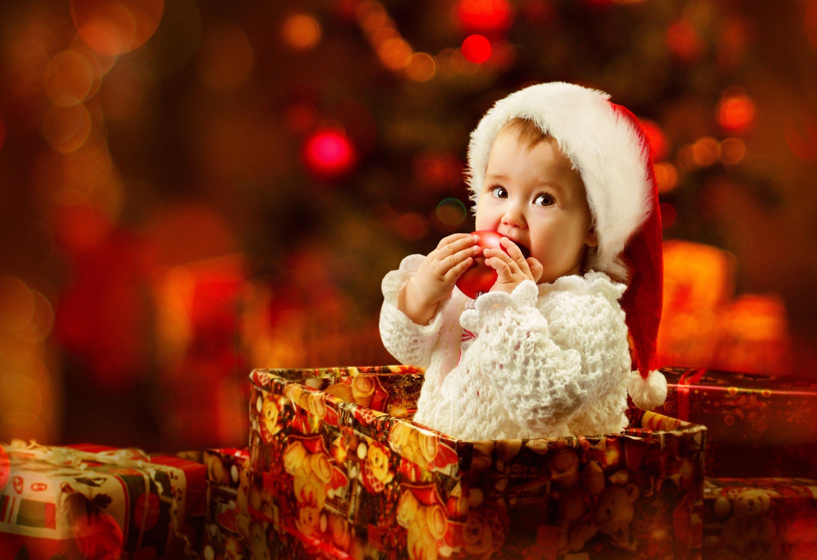 Christmas Baby Images Hd.Christmas Baby New Hd Wallpaper Wallpapers Siblings Baby