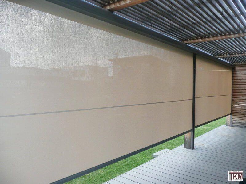 COBERTI Toldo vertical en porche de vivienda #toldos #verticales