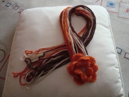 bufanda flor bufanda lana de distinto grosor. ganchillo o crochet