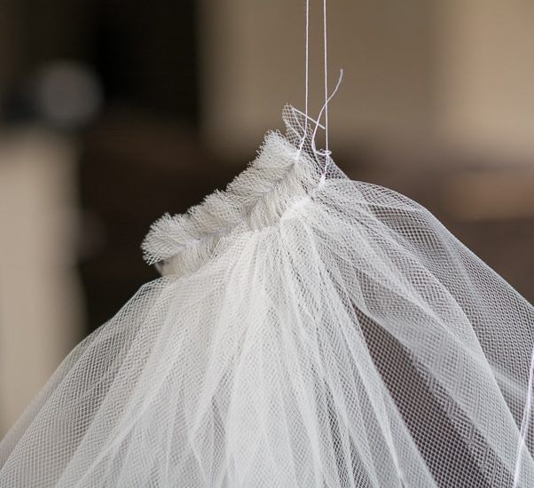 How To Make A Bridal Veil With A Comb How To Make A Simple Bridal Veil Veil Diy Veils Bridal Diy Diy Wedding Veil