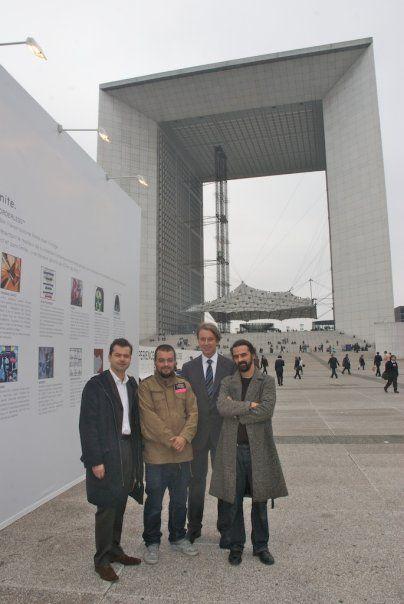 """Opération """"Live Borderless"""" pour LG à La Défense / 2009"""