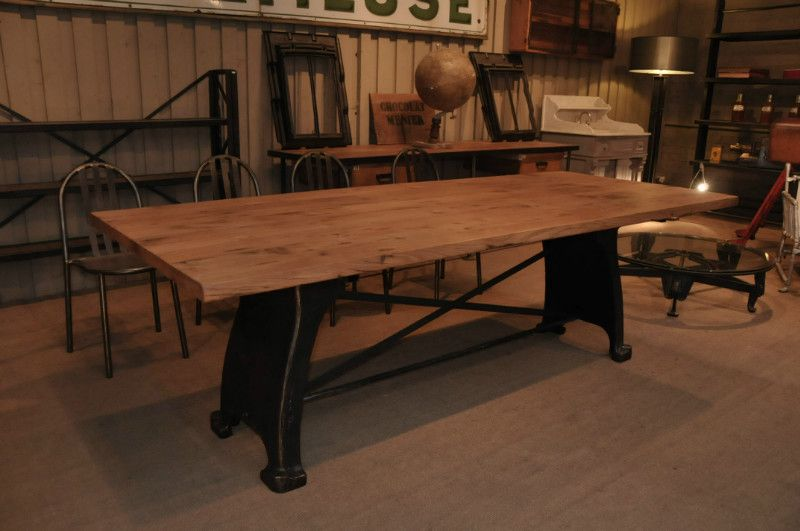 table industrielle pied fonte 1900 plateau ancien ch ne dim 240 h75 100 cm le grenier. Black Bedroom Furniture Sets. Home Design Ideas