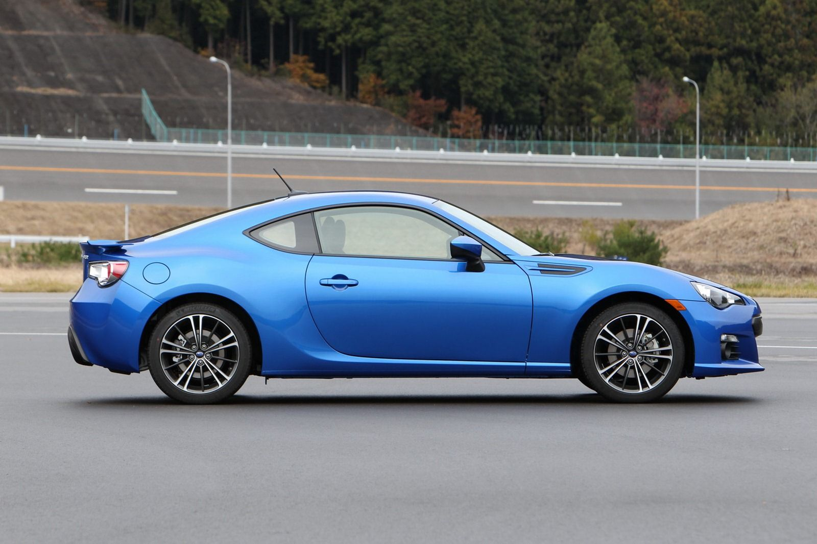 2013 #Subaru #BRZ prices ranging from $25,495 (€19,250) to $28,595