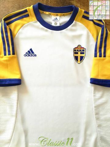 Pin On Football Shirts