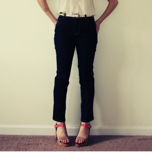 Super cute, especially with those bold colored heels! Fall fashion: Gloria Vanderbilt 6PS Amanda Jeans, starting at $25.