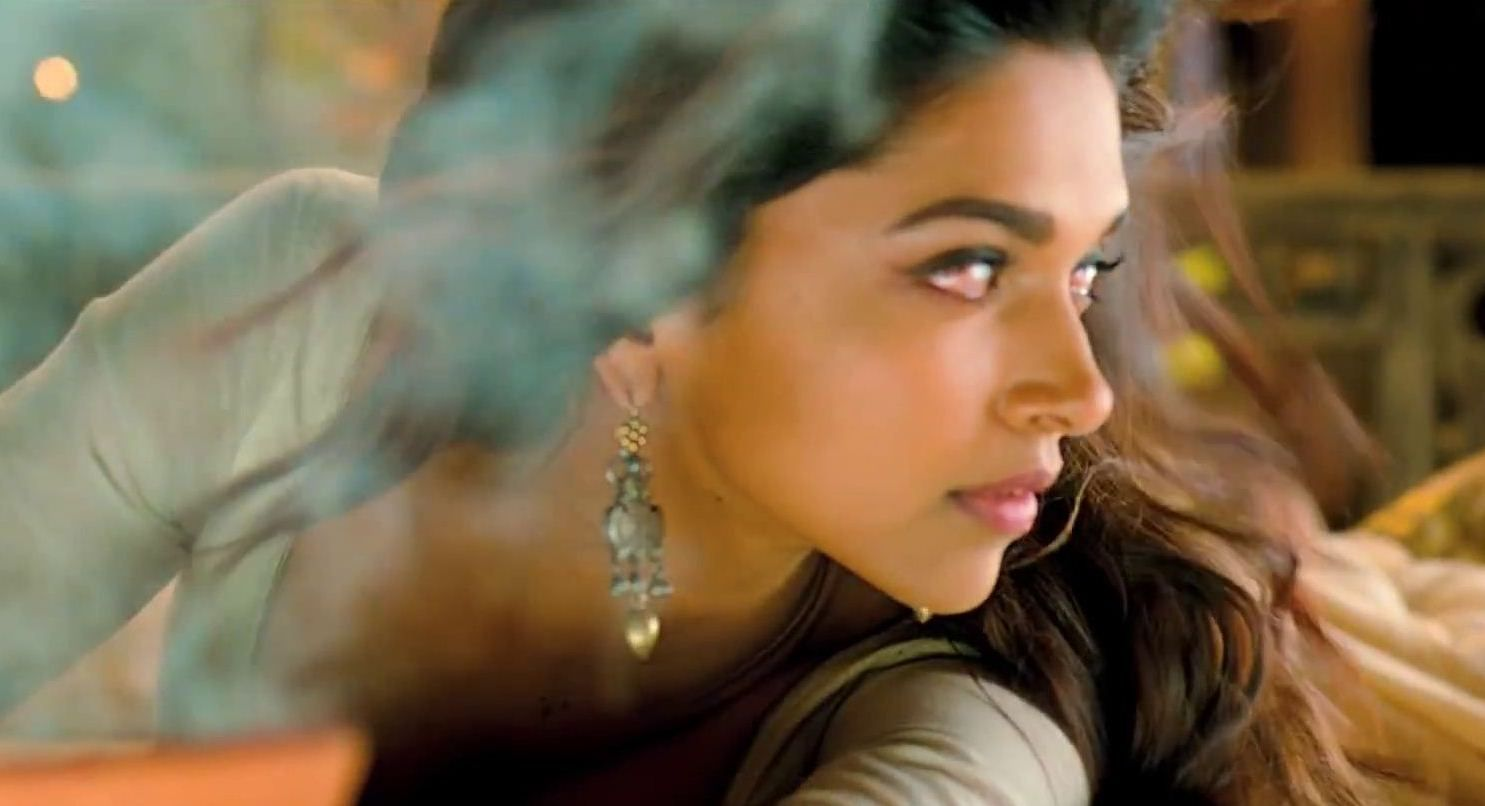 Deepika Padukone in Ram Leela | Leela movie, Deepika ...