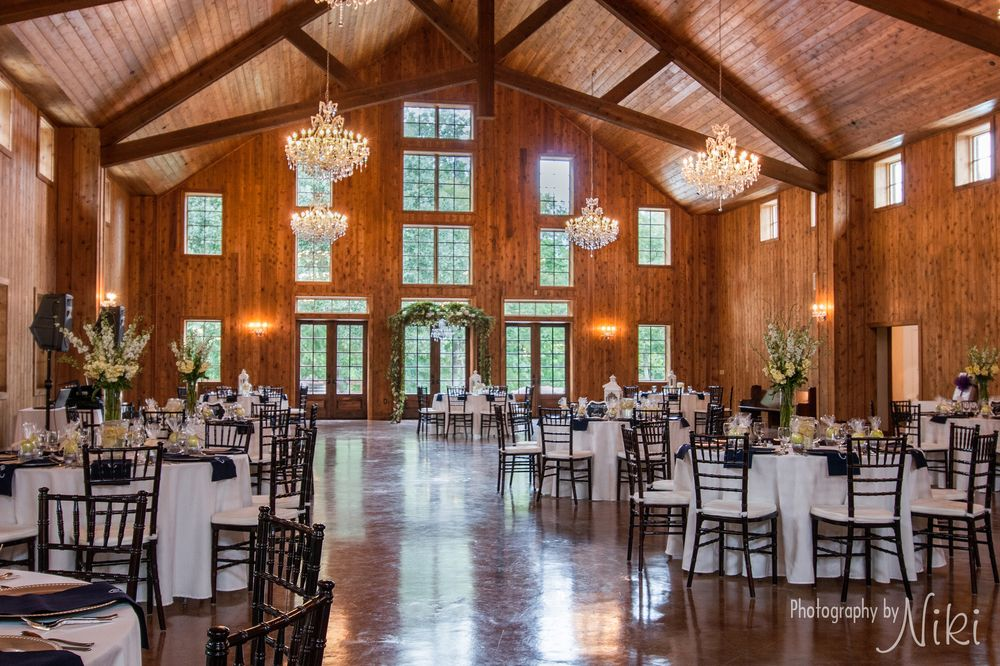 The Carriage House Is A Wedding Venue In Conroe Tx Serving S From Houston North And Montgomery Our Award Winning Rustic Elegant Barn