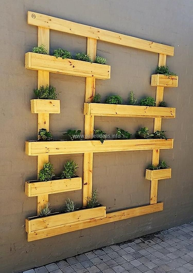 1 wood pallet wall planter | Woodworking | Pinterest | Wood pallets ...